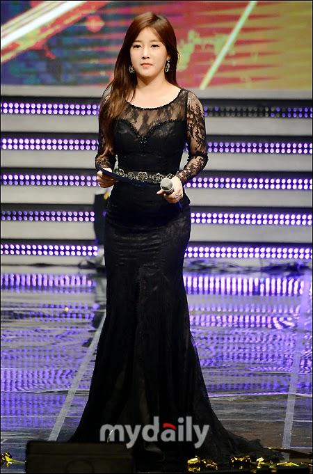 SOYEON 2014 APAN STAR AWARDS (1)