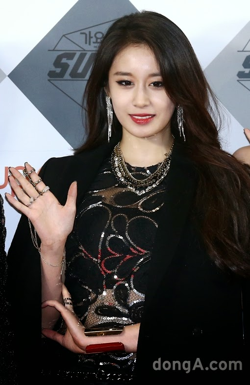 t-ara 2014 sbs gayo daejun red carpet pictures (3)