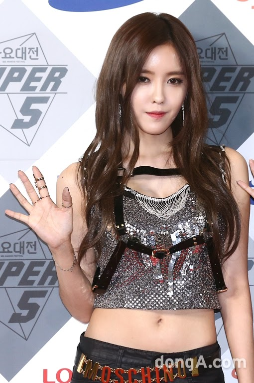 t-ara 2014 sbs gayo daejun red carpet pictures (4)